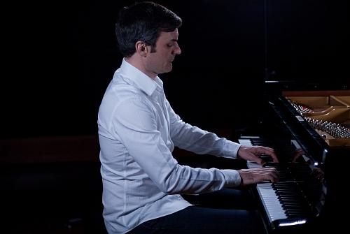 IVAN ILIĆ, piano
